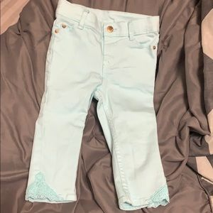 Mint toddler jeans with crochet pattern